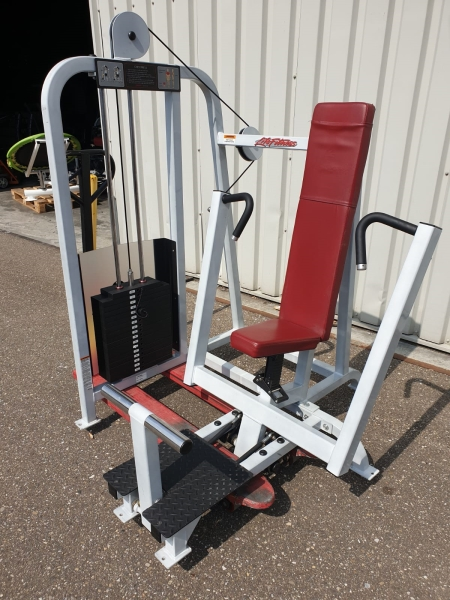 Life Fitness chest press